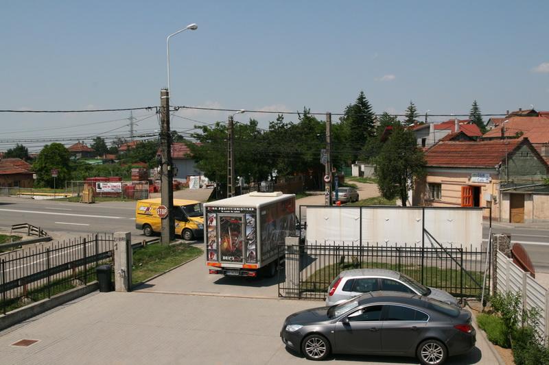 caravana-de-scule-si-unelte-berag6.jpg